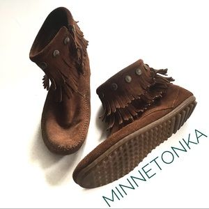 Minnetonka Double Fringe Genuine Leather Boots!